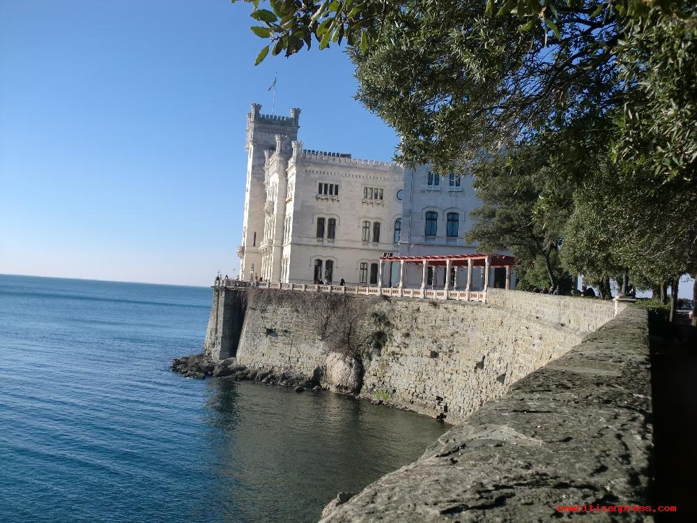 Il Castello di Miramare dimora del duca Massimiliano d'Asbur