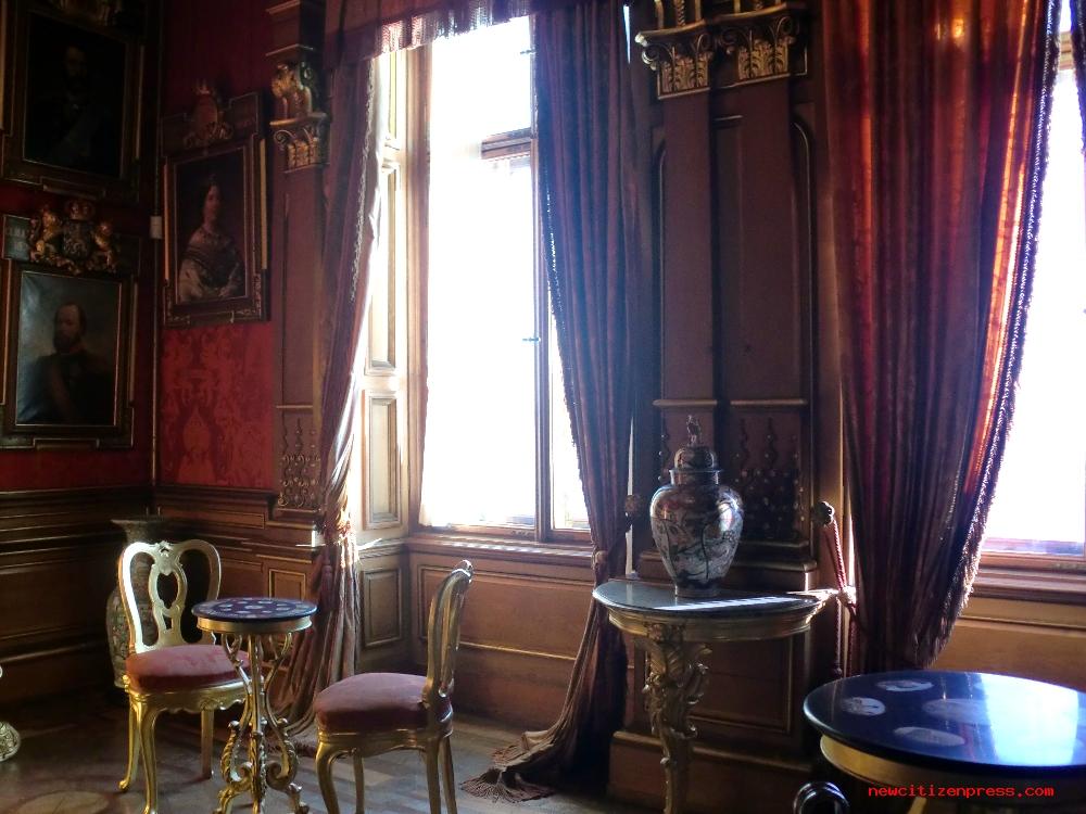 La stanza dei tavolini